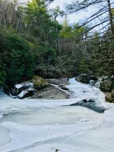 Upper Creek Falls Trail - creek crossing