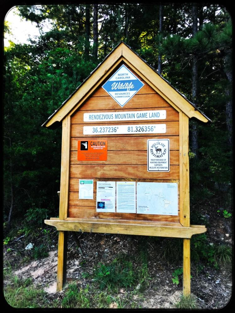 Rendezvous Mountain State Forest - Mountain Ridge Trail - trailhead