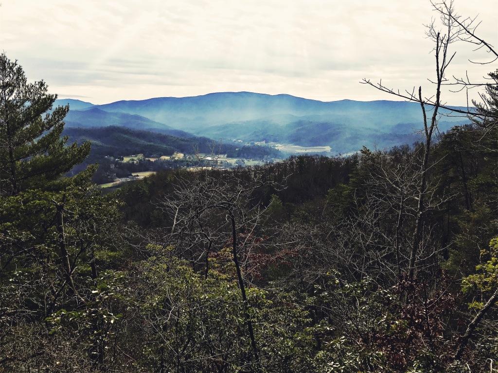 Pinnacle Mountain fire tower trail - vista