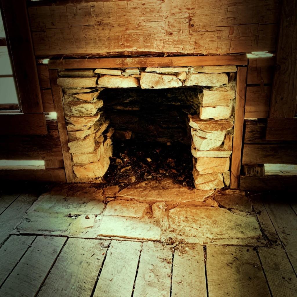 little-cataloochee-trail-cook-cabin-fireplace